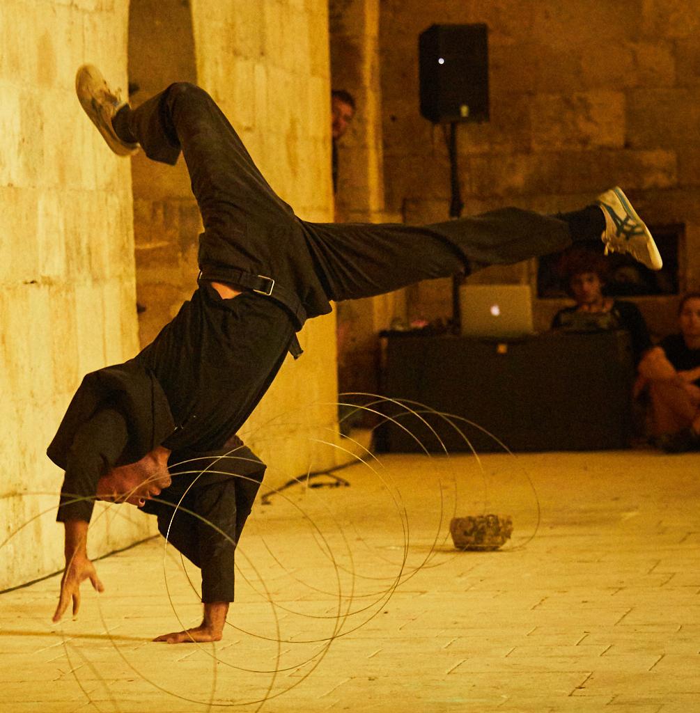 Collation singulière et solidaire, roda de capoeira et atelier jonglerie